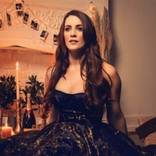 Lucie Jones - Live at the Adelphi